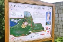 Információs tábla a sétány elején