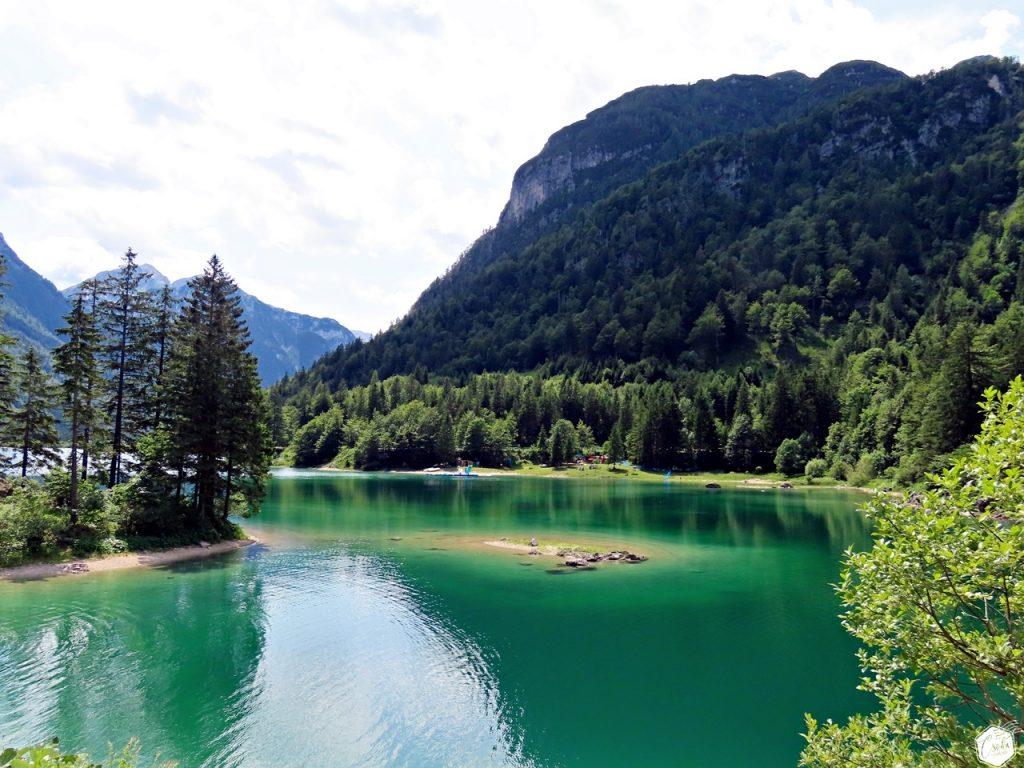 Smaragdzöld tavak a Júliai-Alpok ölelésében