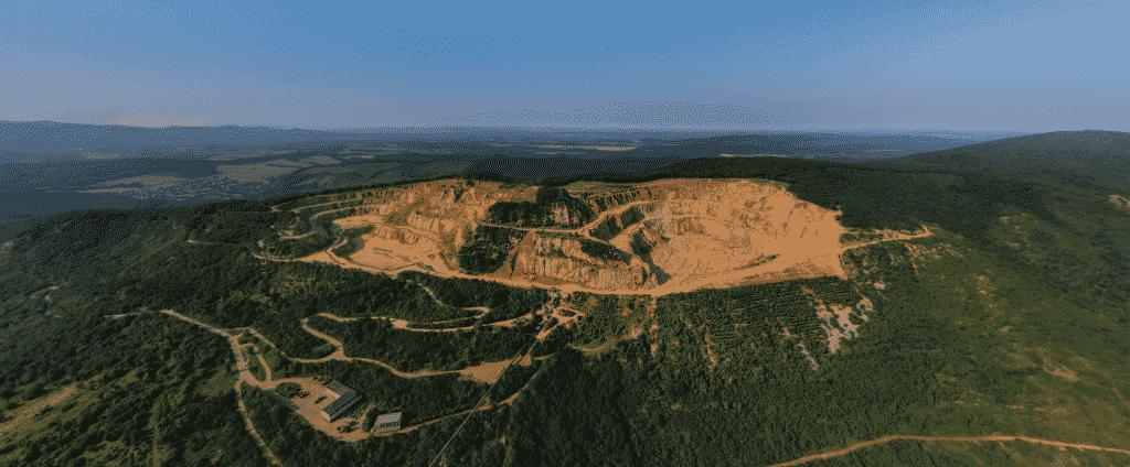 Drónvideón a Dunakanyar mesés látnivalói