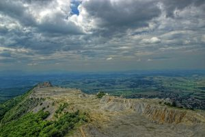 Bél-kő hegy és a Bélapátfalvi Ciszterci Apátság