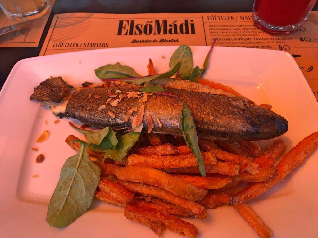 Hol kapható a legfinomabb sült hal Magyarországon?
