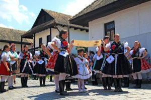 Hollókő – hagyományőrző falu a Cserhát ölelésében