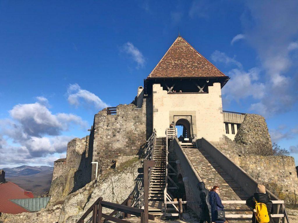 Keltsd életre a történelmet! - 6 legendás vár a Dunakanyarban