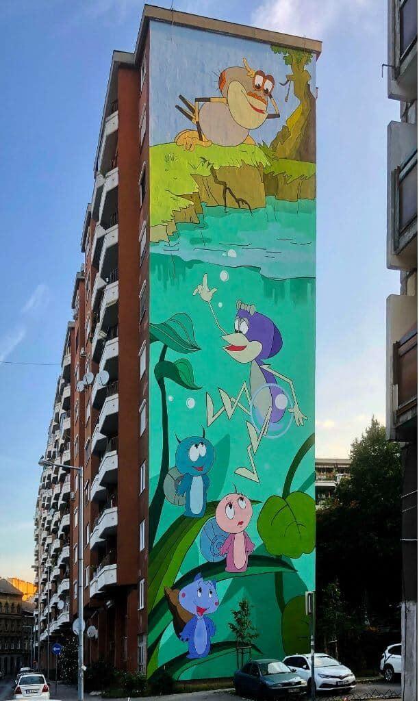Retro rajzfilmfigurák színesítik Budapest lakóházait