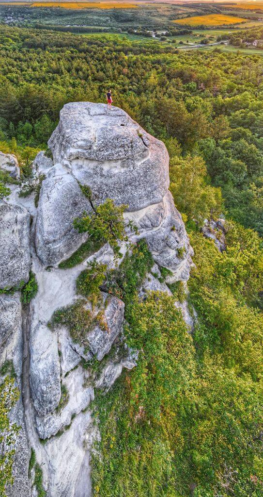 Nyakas-kő, Biatorbágy - sziklakaland a Budai-hegységben