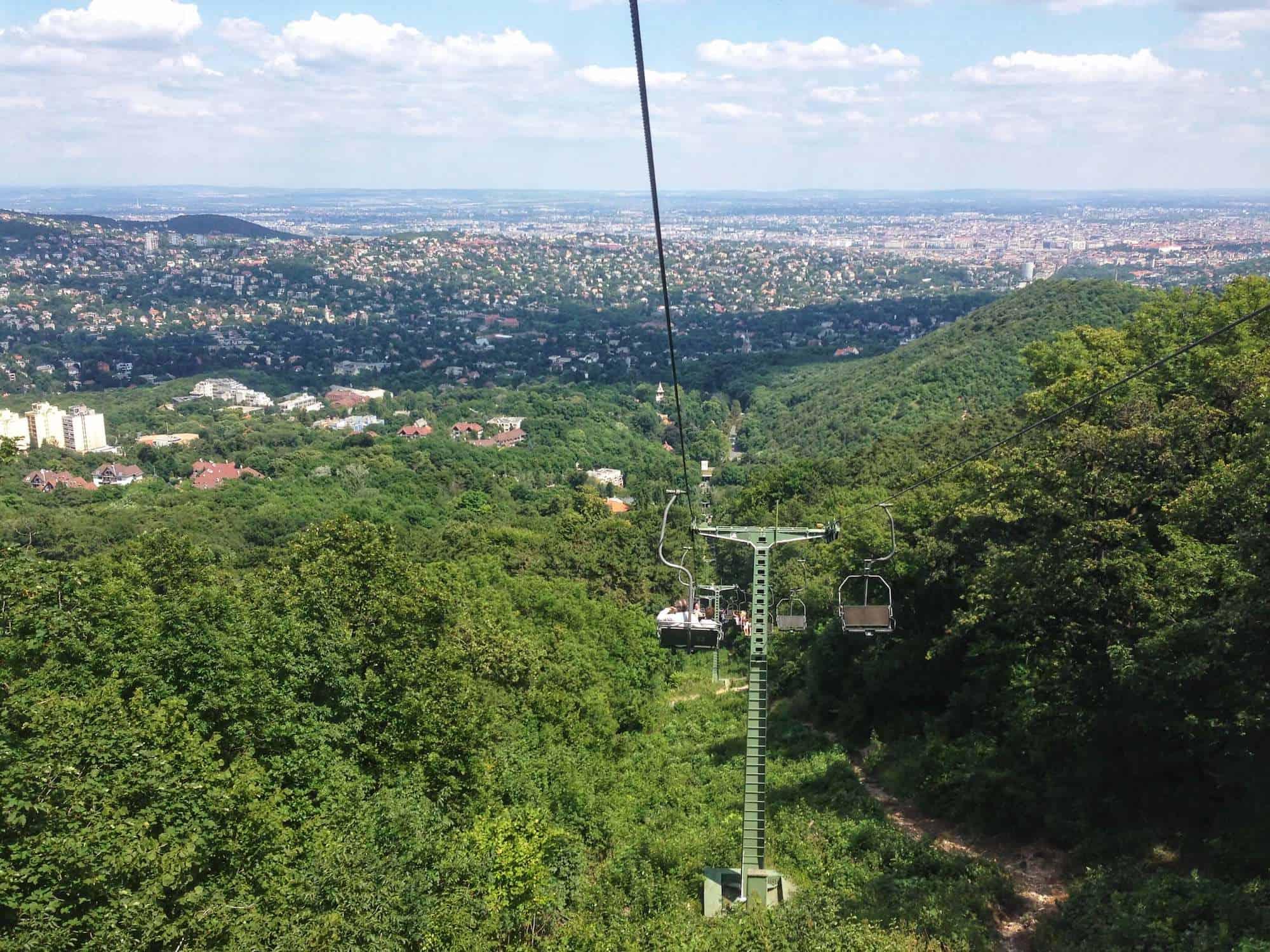 100 Ft-os jeggyel utazhatnak decemberben a gyerekek a Libegőn és a Budavári Siklón
