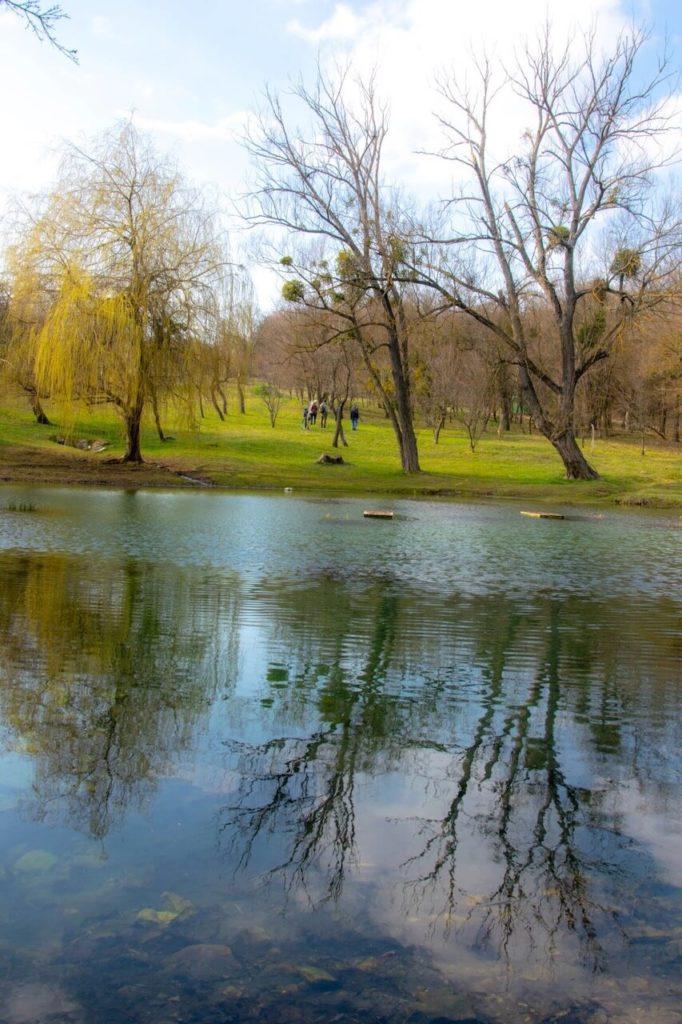 Vászoly, a patakok és kőhidak otthona