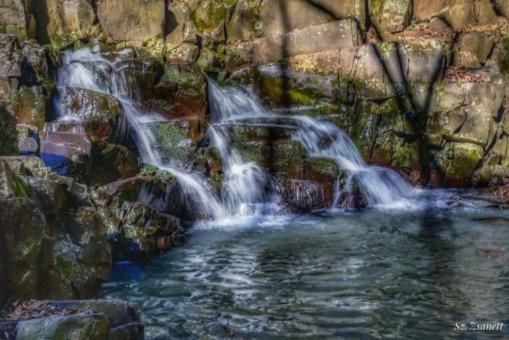 Vízesés a Visegrádi-hegységben