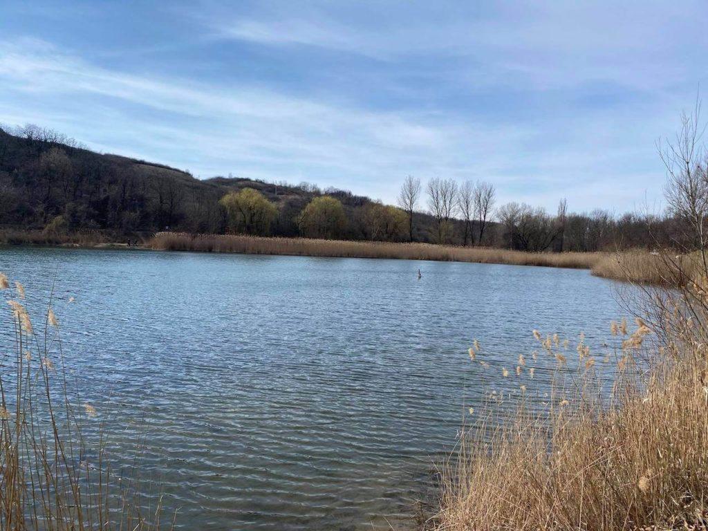 Strázsa-hegyi tanösvény, kilátó, Gyilkos-tó – Csodahelyek Esztergom közelében