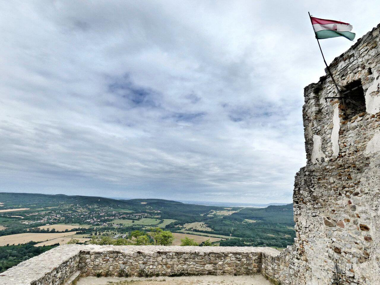 Rezi vár és tanösvény - panorámás kirándulás a Keszthelyi-fennsíkon