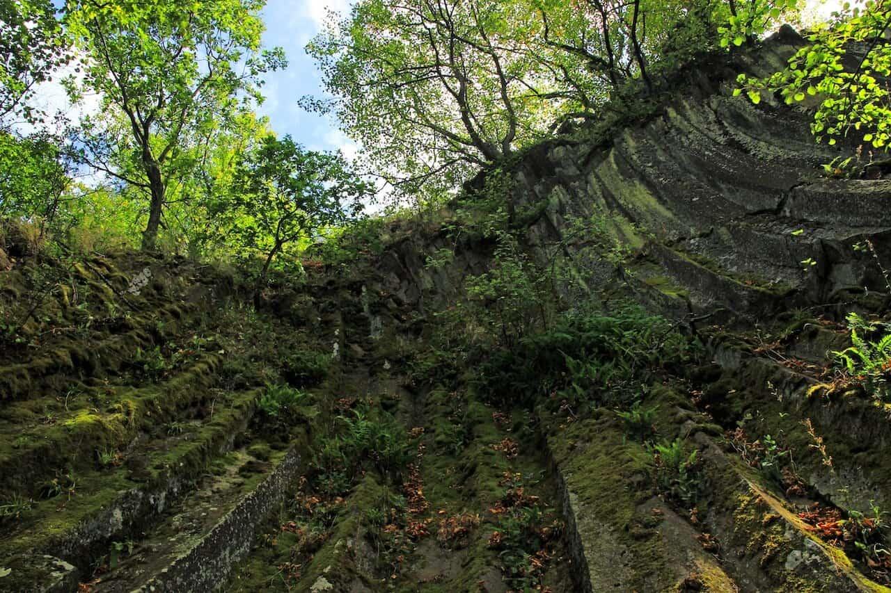 Andezitcsúszda és Lázár-kastély a Nógrád megyei Béren