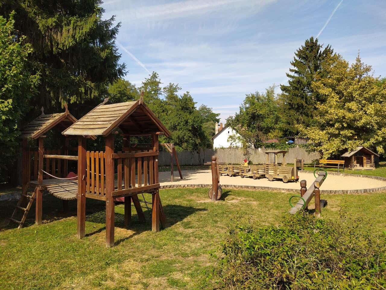 Fekete-völgy, Csarna-völgy, erdei vasutak – Gyermekbarát programok a Börzsönyben